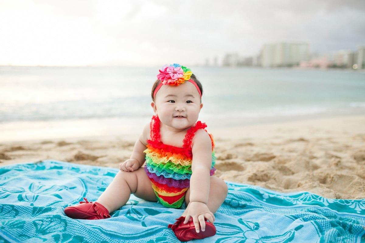 lee-family-waikiki beach photographer 1007