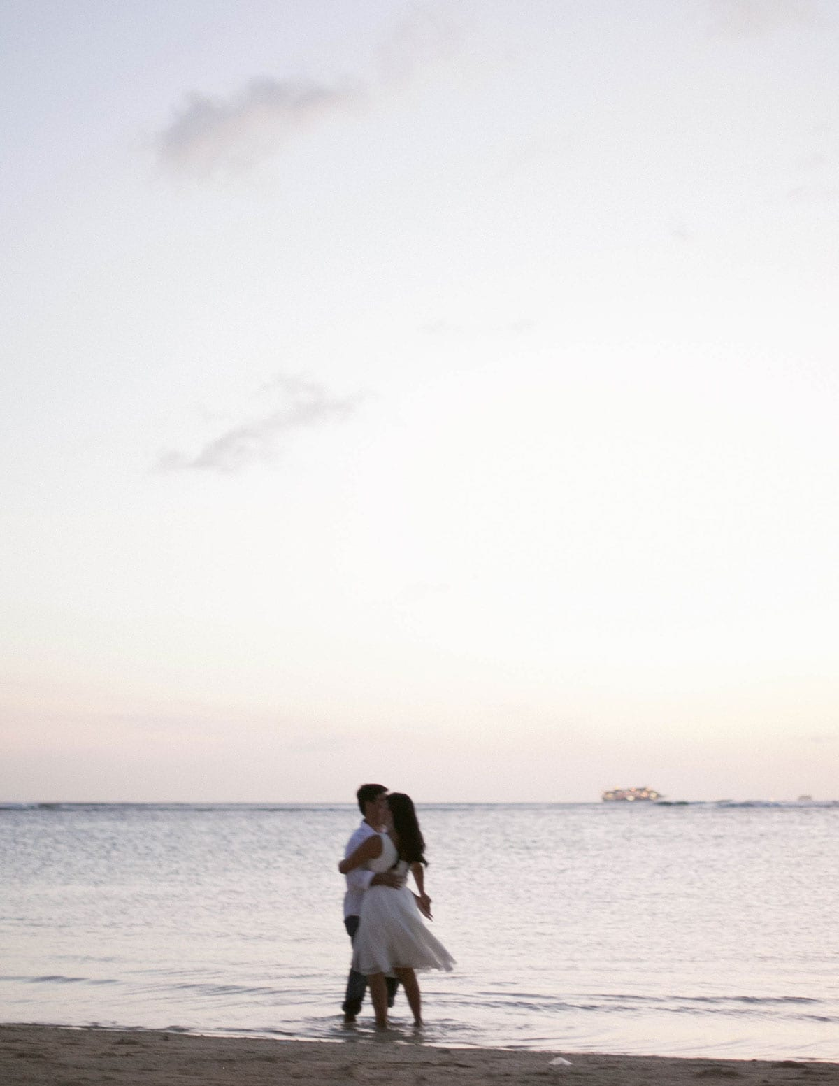 anniversary-portraits-magic-island-honolulu-1015